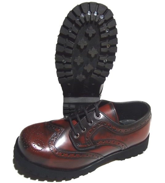 best sneakers c92dc d5233 Boots & Braces Budapester 4 Loch Schuh in burgundy
